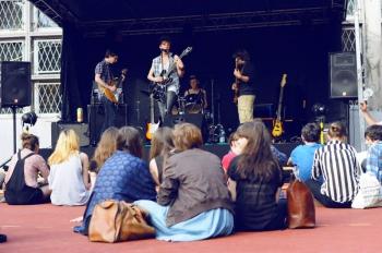 FOKA - zabawa pod sceną