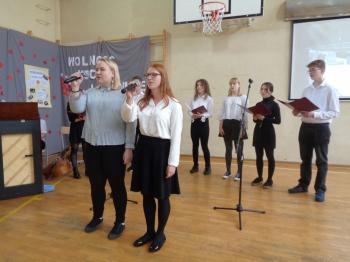 Maja i Paulina - z repertuaru K. Prońko Psalm stojących w kolejce