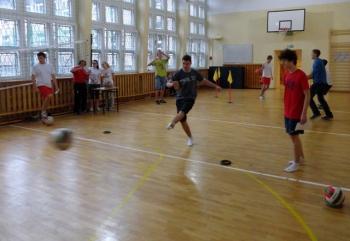 Fredrowskie Dni Sportu - konkurs sprawności - strzały na bramkę